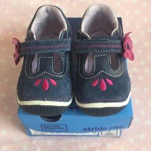 """Stride rite walking shoe size 4 """"teagan"""""""